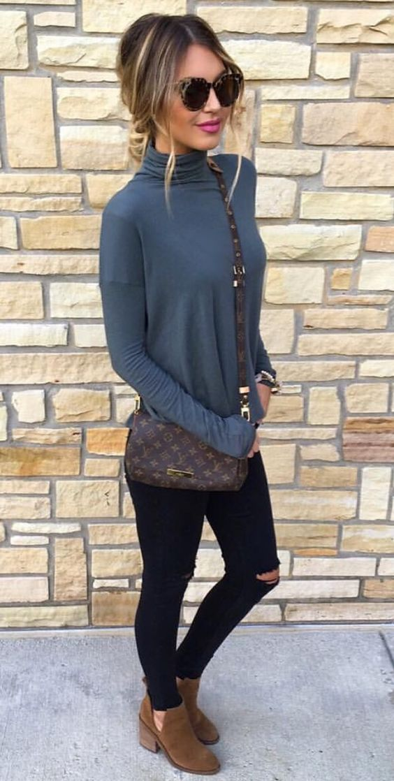 turtleneck, skinnies and ankle booties