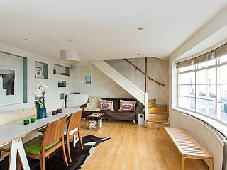 Live Like a Beatle Off Abbey Road & the Famous Zebra CrossingHoliday Rental in St John's Wood  from @HomeAwayUK #holiday #rental #travel #homeaway
