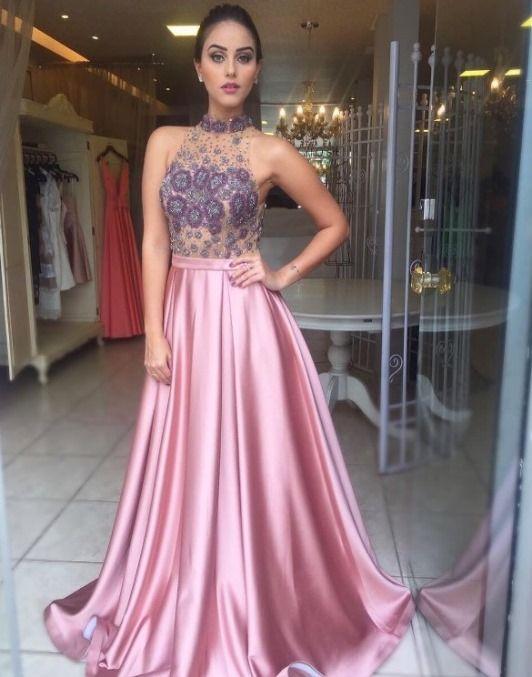 vestido de festa rosa  Sugestão: madrinha de casamento à noite ou formanda
