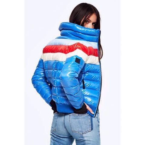 . . . #ツルツル #テカテカ #ナイロン #光沢 #シャイニー #フェチ #ダウン #ダウンジャケット #コーデ #秋コーデ #冬コーデ #ママコーデ #コーデ部 #SAM.newyork #かわいい #ファッション #おしゃれ #wetlook #nylon #fetish #down #downjacket #pufferjacket #fashion #doudoune #dounen #piunimo #outfit #cordination