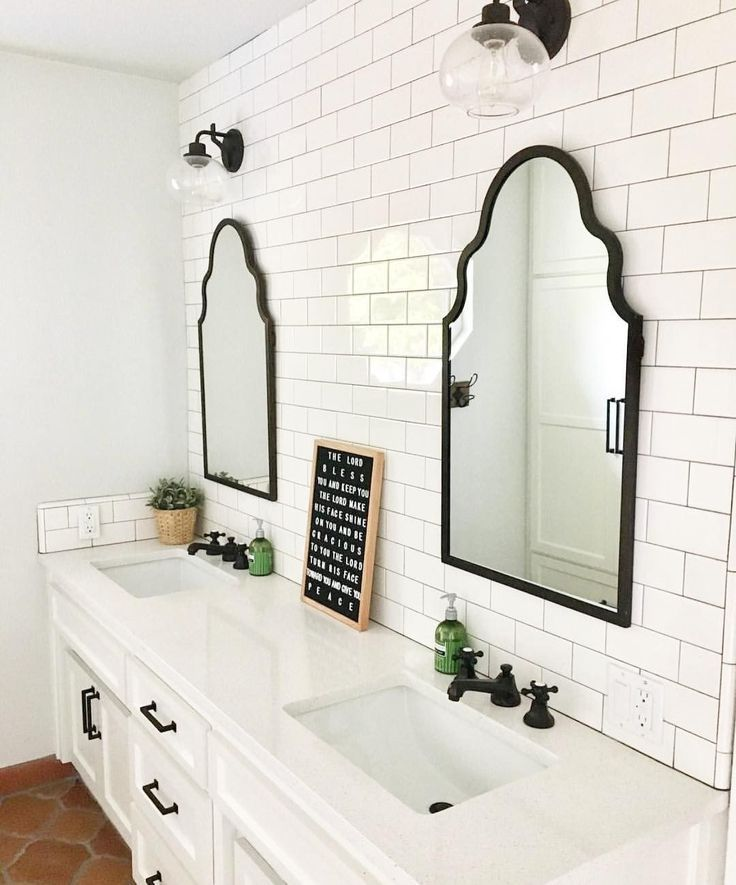 Gorgeous Farmhouse Master Bathroom Decorating Ideas (43 – // COASTAL REFINED FARMHOUSE // STYLE QUIZ