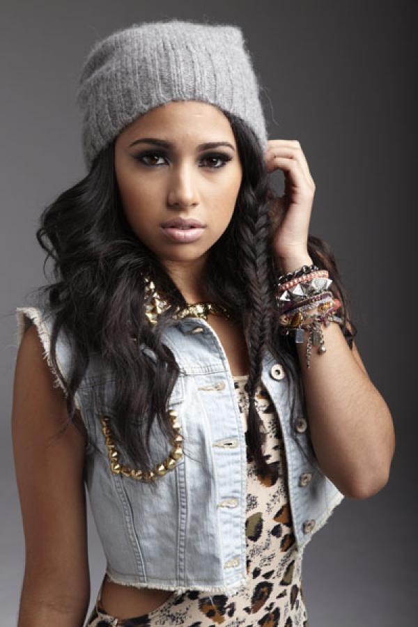 Jasmine Villegas  mexicana-filipina
