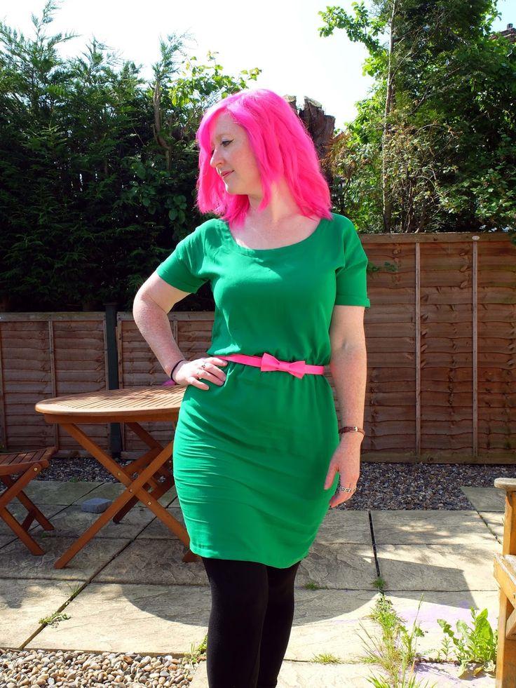 The DIY Fox: Tilly and the Buttons Bettine Dress Green Viscose www.thediyfox.com https://uk.pinterest.com/TillyButtons/bettine/
