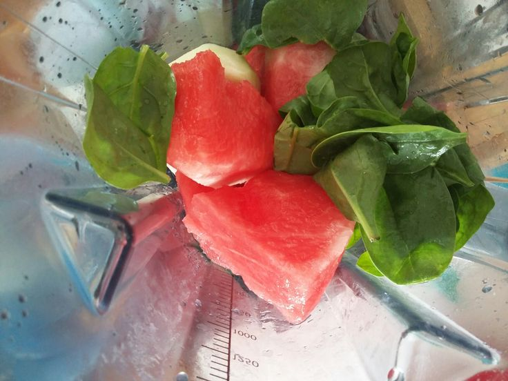 Smoothie z melounu, špenátu a kedlubny