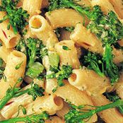 Free rigatoni with broccolini