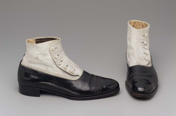 1920-1940, England - Pair of men's boots - Patent leather, suede, pearl, cotton lining, and leather heel and sole
