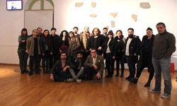 Στην Αθήνα τα έργα της Ελληνικής συμμετοχής από την Biennale Νέων Δημιουργών Ευρώπης κ΄Μεσογείου 2013 / Ιταλία - Αγκόνα. - Καλλιτεχνικά Νέα