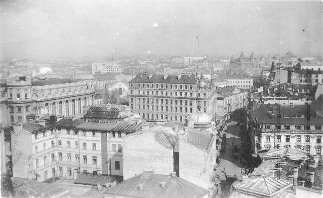 Vedere spre Hotelul Louvre 1925