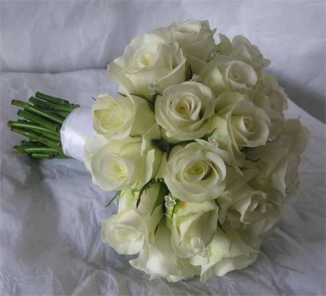 hand tied of akito roses with crystals - The Flower Company