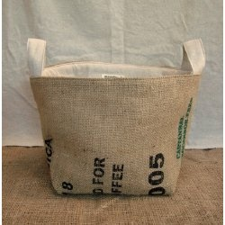 burlap basketBurlap Baskets, Burlap Crafts, Burlap Sack, Clothing Baskets, Burlap Buckets, Baskets Buckets, Burlap Beautiful, Diy Crafty, Bags Sho