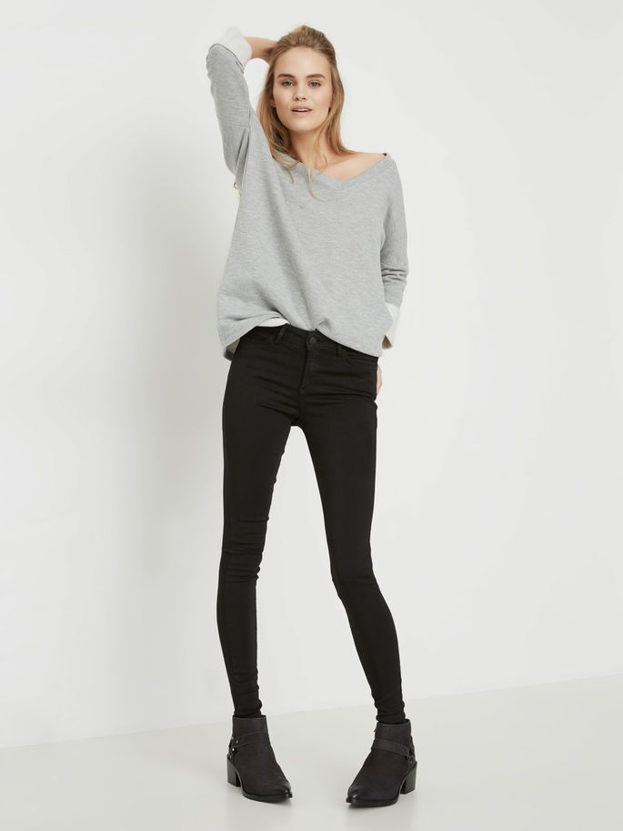 The black jeans is a safe choice