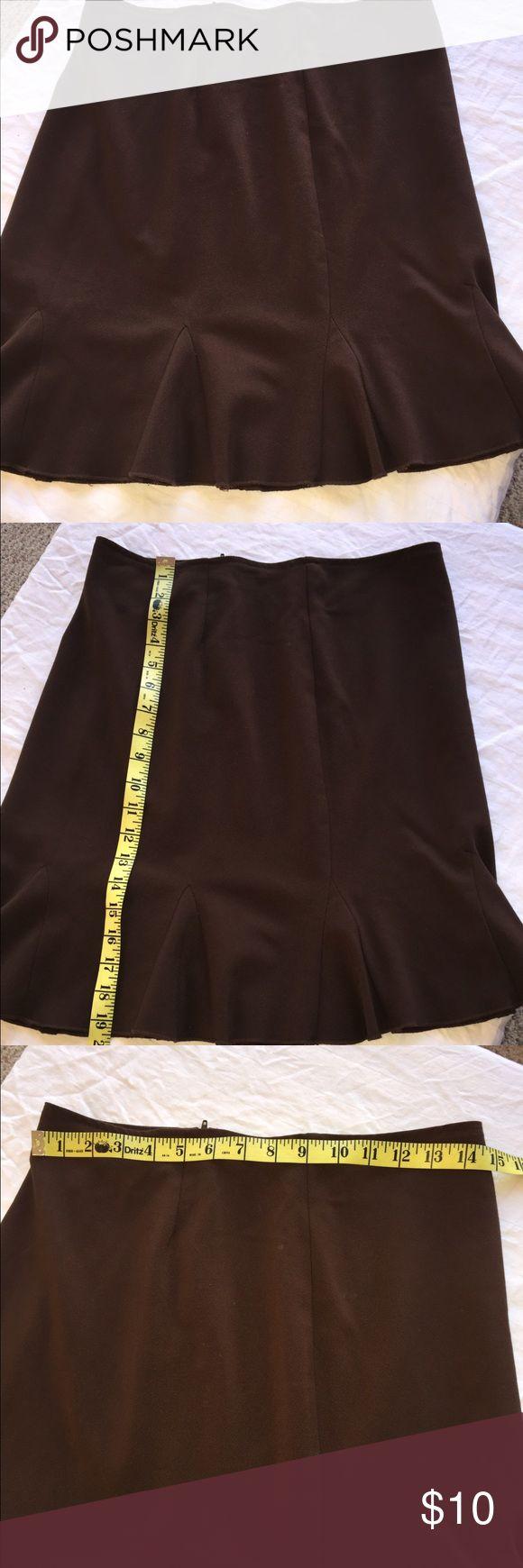 Studio Y size 5/6 brown tulip skirt Very cute tulip skirt by Studio Y. Chocolate brown color with a back zipper Studio Y Skirts Midi