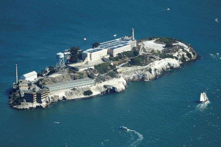 https://www.msn.com/en-us/news/us/ferry-service-helps-alcatraz-escape-from-government-shutdown/ar-AAv0DoN?li=BBnb7KB