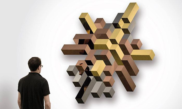 LUXX jsou trojrozměrná zrcadla z leštěných panelů