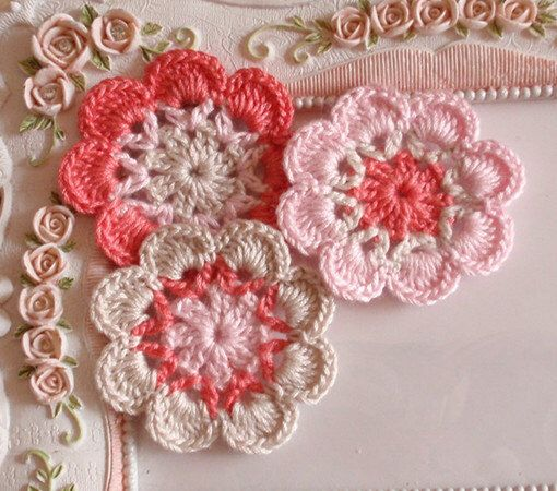 3 crochet flowers applique CH-041-06 by Anndesign2013 on Etsy https://www.etsy.com/listing/180280937/3-crochet-flowers-applique-ch-041-06