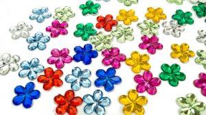 Kwiatki akrylowe 16mm/100szt mix kolorów