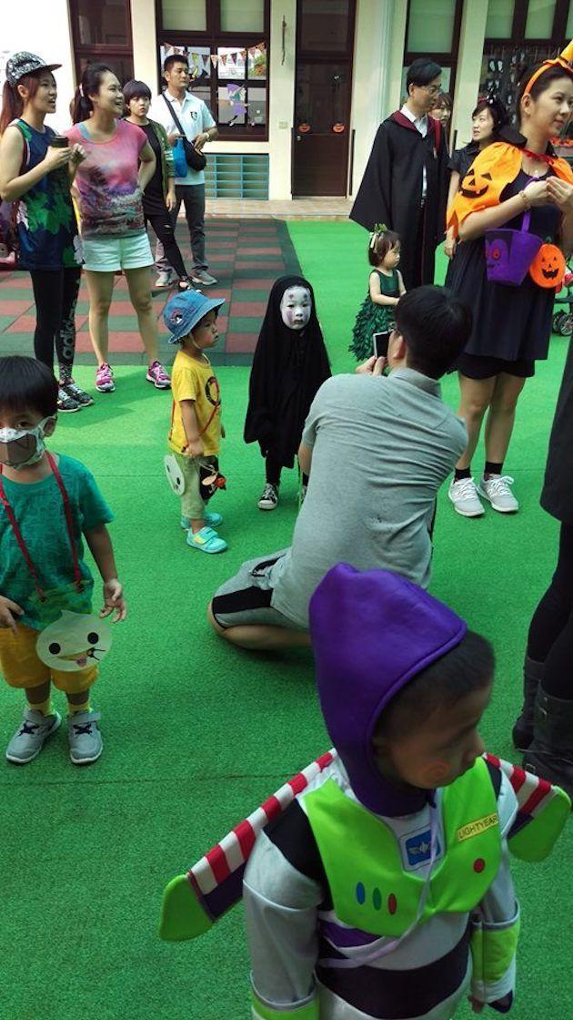 園児がハロウィンでカオナシの仮装に関連した画像-07