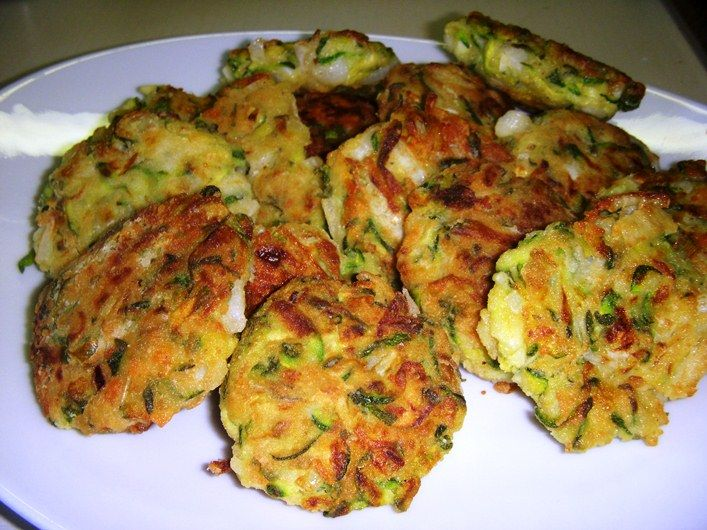 Kolokythokeftedes, polpette di zucchine e Feta