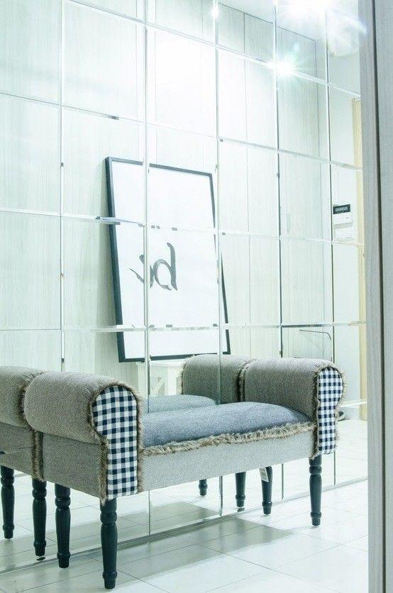 Lustra, nowoczesne lustra, przedpokój, nowoczesny przedpokój, korytarz, ściana z luster. Zobacz więcej na: https://www.homify.pl/katalogi-inspiracji/21530/6-luster-ktorych-pozazdroscilaby-nawet-sama-krolowa-sniegu