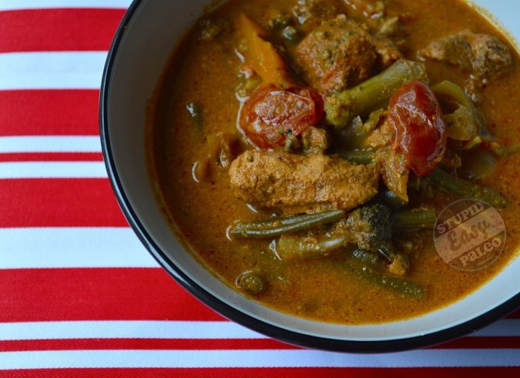 Slow Cooker Chicken Yellow Curry Soup