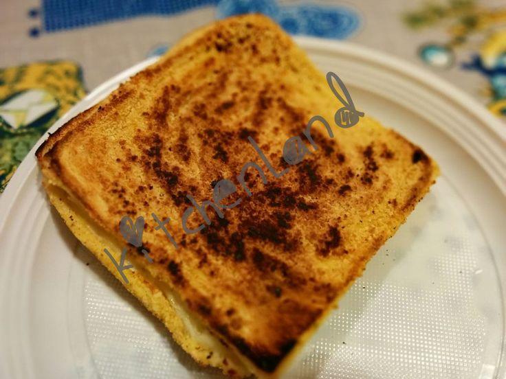#Mozzarella in #carrozza al #forno #giallozafferano #gialloblogs #ricette #ricettefacili #cucina #cucinaitaliana #ricettadelgiorno  #food #foodphotography #foodblogger  #italianfood