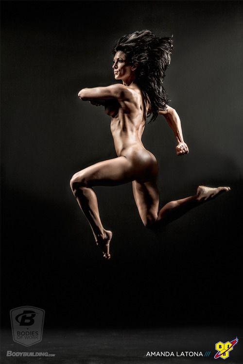 Amanda Latona.