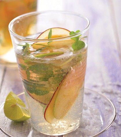 ¡Prepara una refrescante y suave bebida para la cena de esta noche! Disfruta en compañía de tus seres queridos.