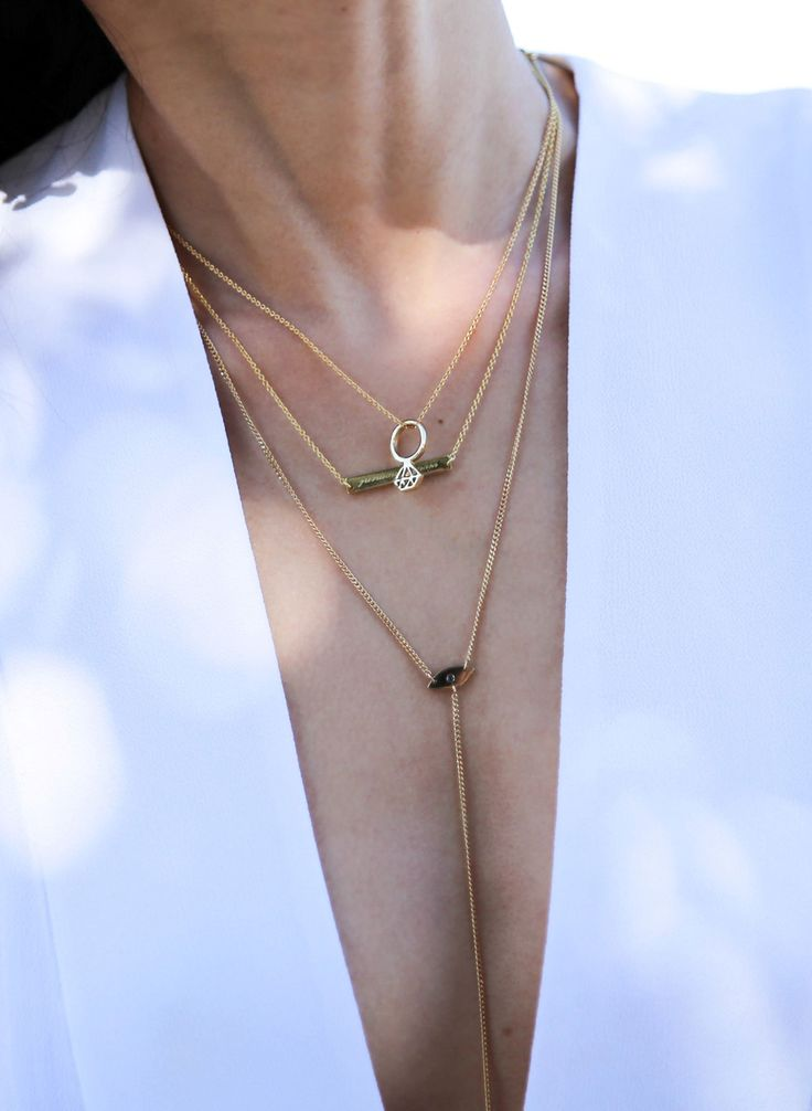 How to Layer Your Necklaces | The Tia Fox