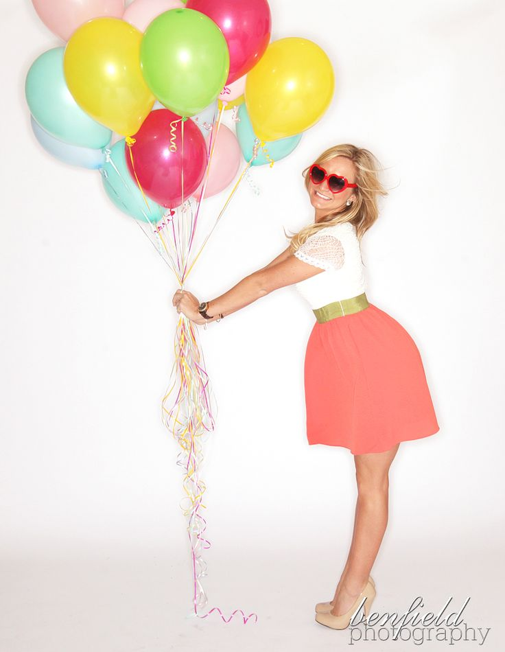 The dress, the glasses, the balloons. Too freakin cute. #benfieldphotography #riffraff