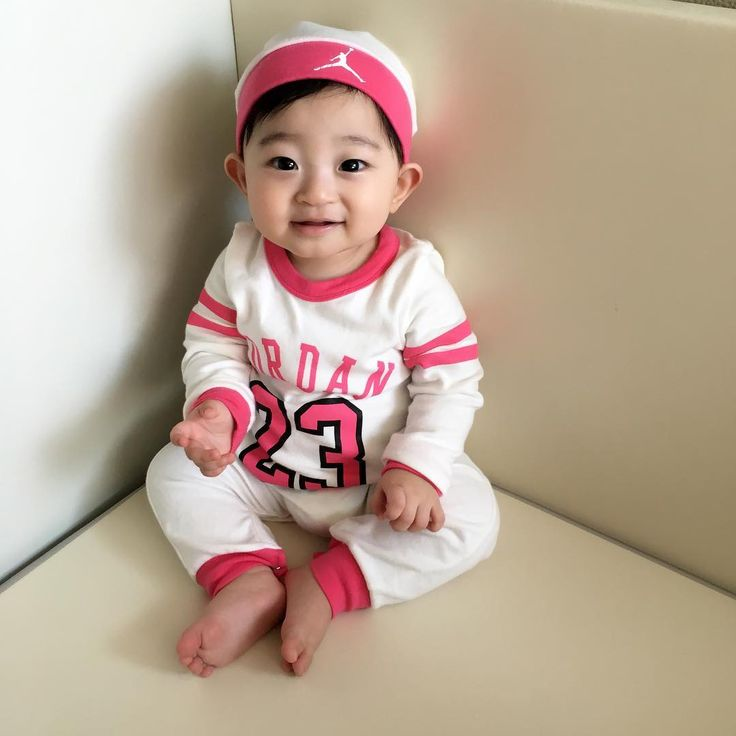 예쁜아기 심쿵이 ❤️ 아기모델 오윤석(20160605) @heartattack_dad - - 👶🏻 엄마 나 예뻐요? - 봄맞이 대청소 ...Yooying