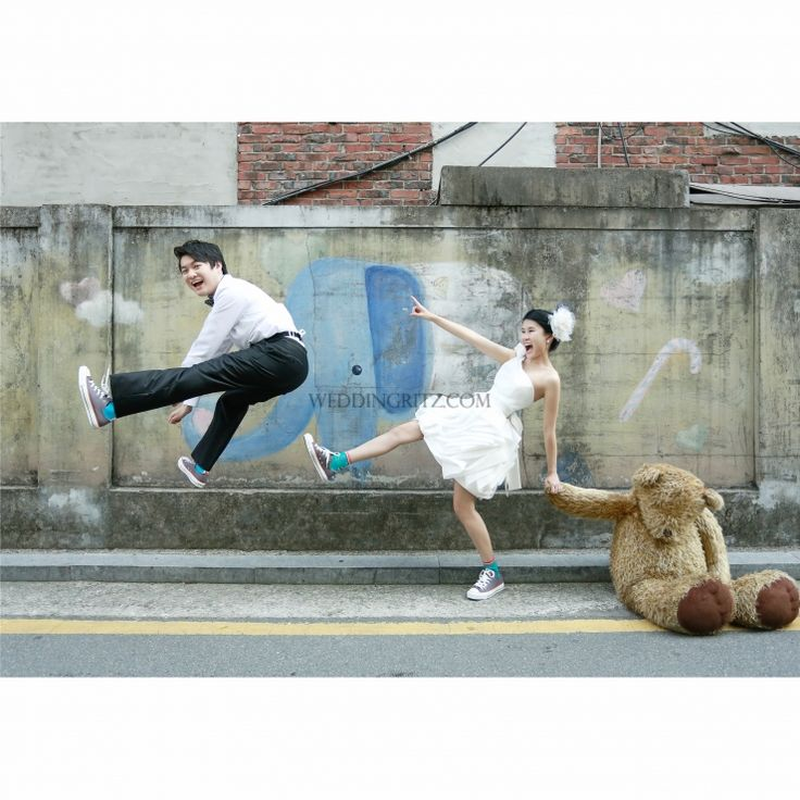 Korea Pre-Wedding Photoshoots by WeddingRitz.com » Funny Story Young AGE Story - Sue Lynn and Alvin Couple
