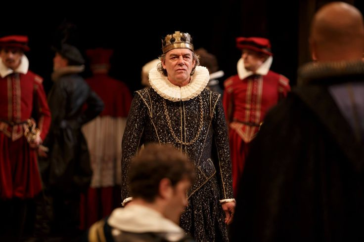 King John in spectacular HD: War is the inevitable result when the King of France demands that John relinquish his crown in favour of his nephew, the young Prince Arthur. Excommunication, attempted atrocity, rebellion and assassination all contribute to a political and personal turmoil that finds devastating expression in an anguished mother's grief for her son.