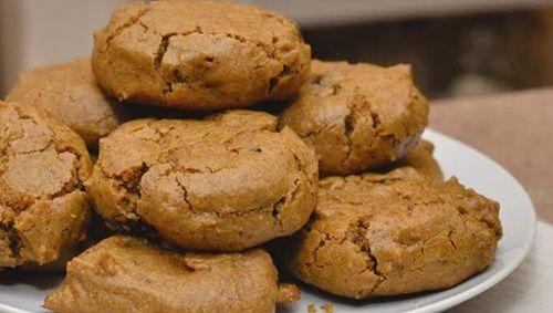 Enjoy cinnamon's health benefits with these vegan, gluten-free cookies http://gustotv.com/health/enjoy-cinnamons-health-benefits-with-these-vegan-gluten-free-cookies/