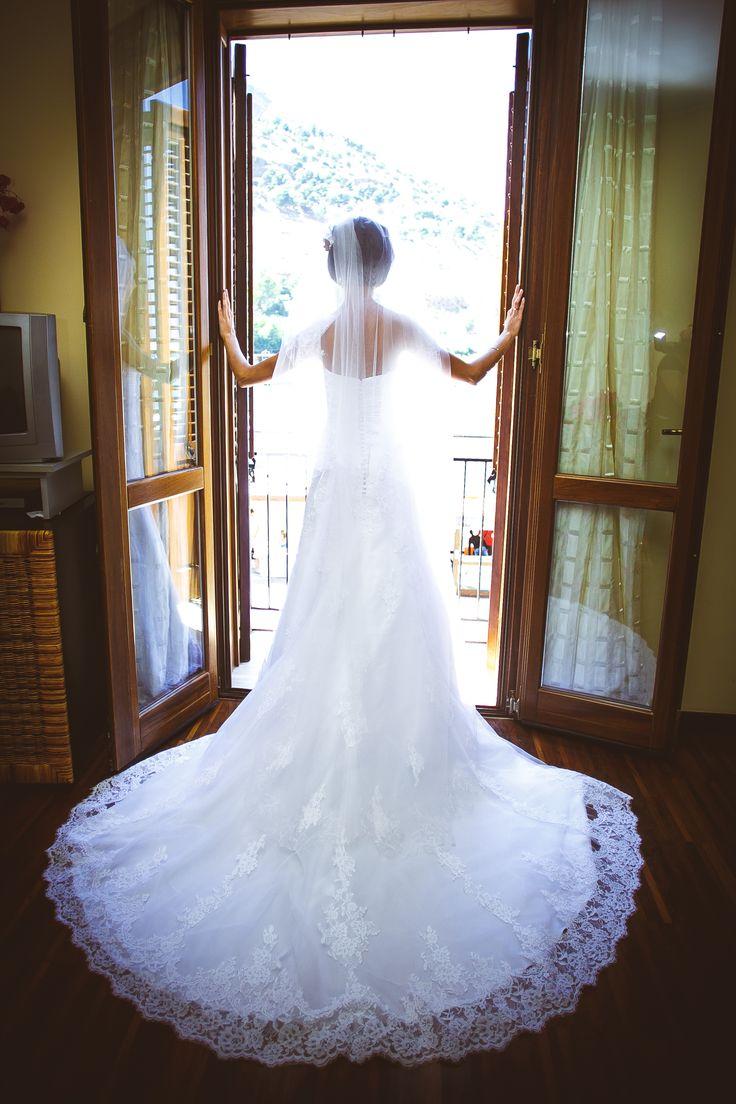Элегантное свадебное платье / Elegant wedding dress.