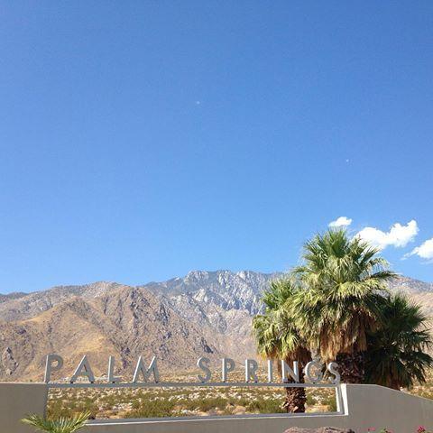 パームスプリングス&サルベーションマウンテンツアー。毎度のコトながら〜暑い〜 #カリフォルニア #ロサンゼルス #パームスプリングス #サルベーションマウンテン #ひとり旅 #女子旅 #旅女 #卒業旅行  #子連れ海外