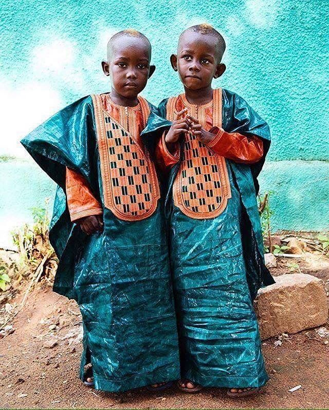 """Bon weekend de Fête de Tabaski (Eid al-adha) from Humans of Mali!  Bamako, Mali. 2016 © @annie_risemberg #humansofmali #mali #africa #africancolours #africanportraits #travelgram #portraitphotography #everydayafrica #eidmubarak2017 #instatravel #natgeotravel #natgeoyourshot"" by @humansofmali. #fslc #followshoutoutlikecomment #TagsForLikesFSLC #TagsForLikesApp #follow #shoutout #followme #comment #TagsForLikes #f4f #s4s #l4l #c4c #followback #shoutoutback #likeback #commentback #love…"