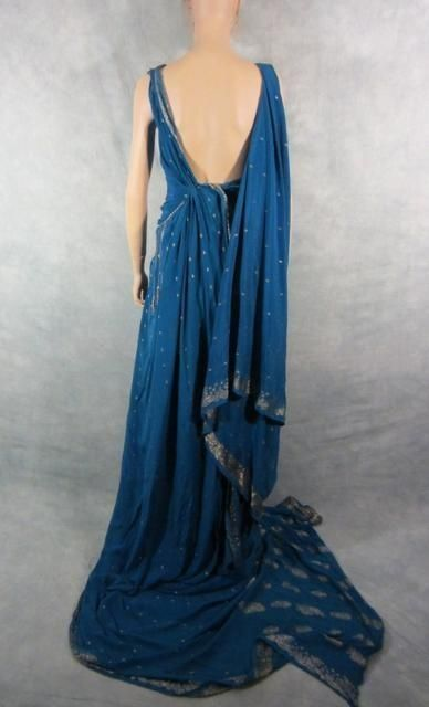 http://www.ebay.co.uk/itm/SPARTACUS-GAIA-JAIME-MURRAY-SCREEN-WORN-ROMAN-GOWN-amp-UNDER-SLIP-PREQUEL-EP-2-COA-/181081565661
