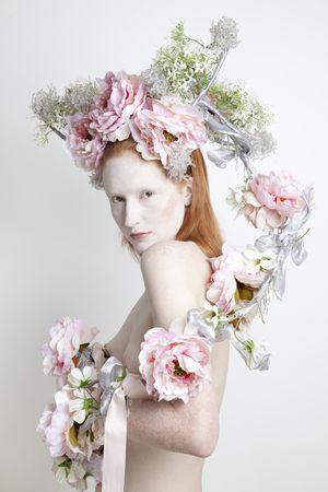 avantgarde floral headpiece - Google Search