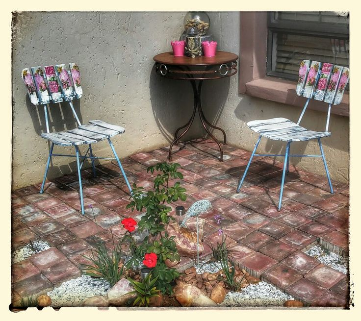 Shabby chic diy!Decoupage serviettes onto vintage wooden chairs. Garden makeover on a budget.