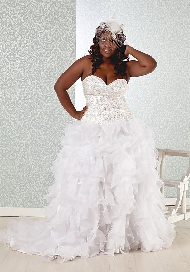 For the Plus SIze Bride: Beatrice   OMG. Plus Size Brides  Beautiful plus size curves don't fit in a size zero #curvywomen #plussizewomen #plussizebride