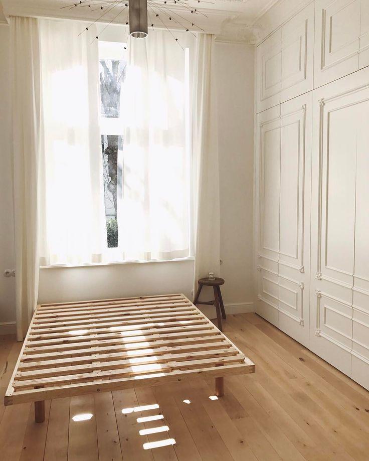 Poranne światło... tylko to łóżko jakoś takie twarde 🤔 #mybedroom #vscopoland #morninglight