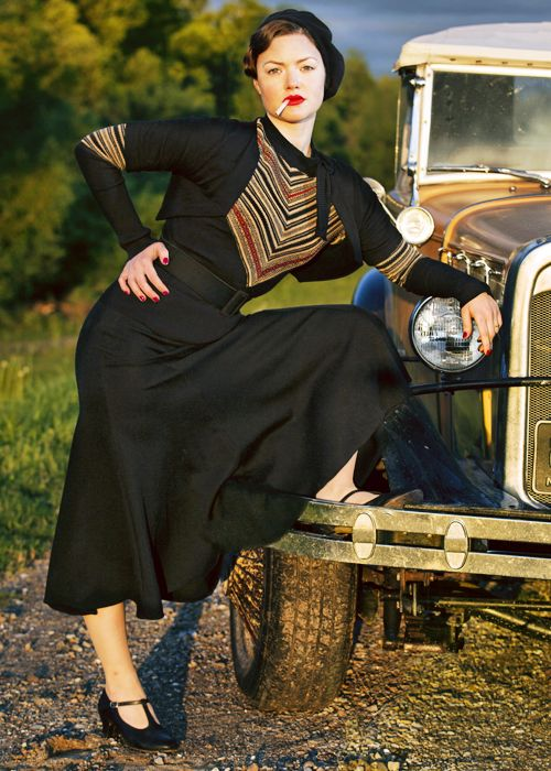 "Holliday Grainger as ""Bonnie Parker"" ~ I want everything she's wearing! 1930s, I love ya."