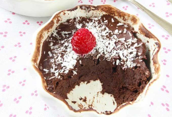 Sugen på något sött men vill samtidigt vara nyttig? Då måste du testa den här kakan! Den tar drygt en minut att göra i mikron och innehåller bara ägg, banan och