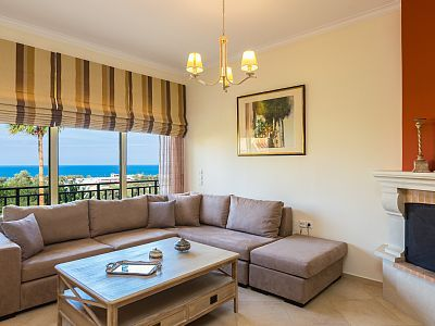 Rethymno villa rental - Splendid vistas from the living room!