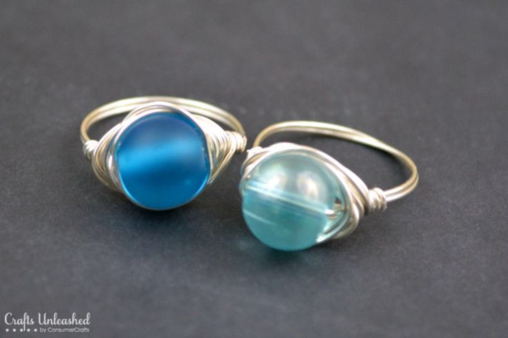 Wrapped-wire-rings-Crafts-Unleashed - using spare beads and about 1 foot of 20 gauge wire