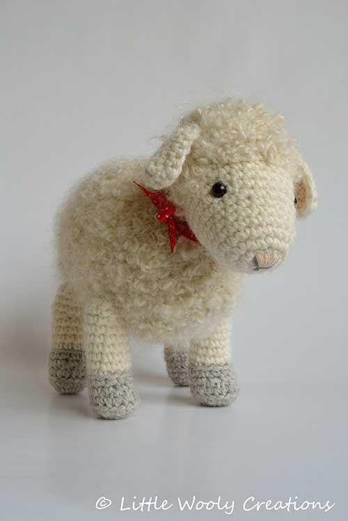 Buy Cora the mother sheep amigurumi pattern - AmigurumiPatterns.net