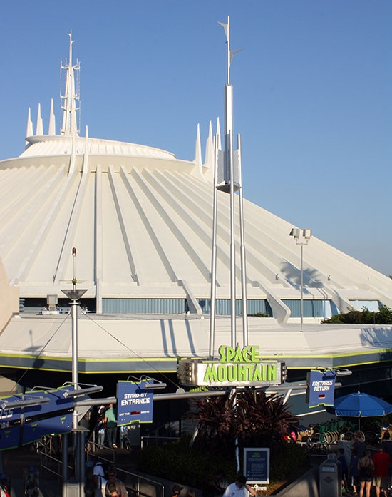 space mountain magic kingdom - 550×697