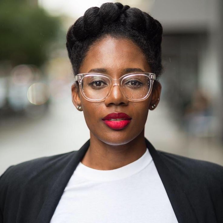 Raven Roberts Fashion Stylist (@_ravenroberts) on Instagram:  @nystateofmind21    natural hair. Afro hair. Black hair care. Black women. Updo hairstyle. Protective hairstyle. Length retention hairstyles.