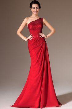 Červené společenské šaty na jedno rameno elegantní šaty na jedno rameno na krajkový živůtek navazuje dlouhá splývavá sukně šikmé řasení opticky zeštíhluje postavu materiál je krajka a sametový šifon šaty mají všitou podprsenku a zip na zádech, červená barva, šaty pro královnu, vysoce elegantní šaty