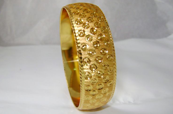 Buy GOLD BANGLE BRACELET FOR WOMEN at Rs. 225.00 only..visit here- http://shwetajewelry.com/product/gold-bangle-bracelet-for-women/